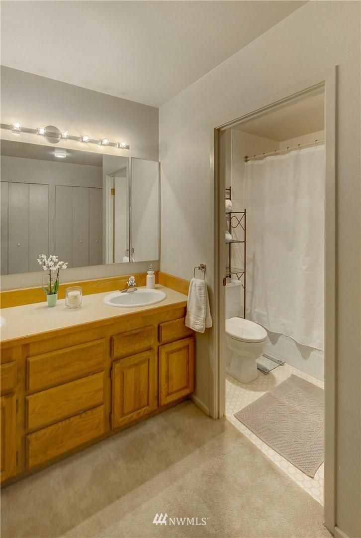 Sold Property   2821 2nd Avenue #2104 Seattle, WA 98121 17