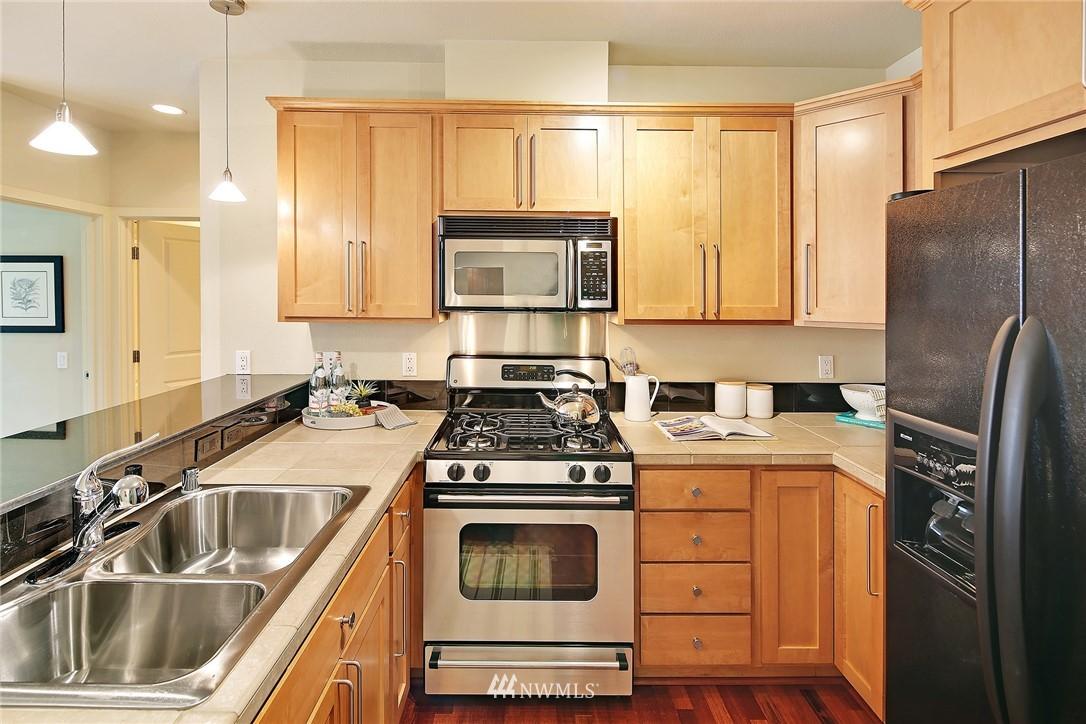 Sold Property | 410 NE 70th Street #304 Seattle, WA 98115 1