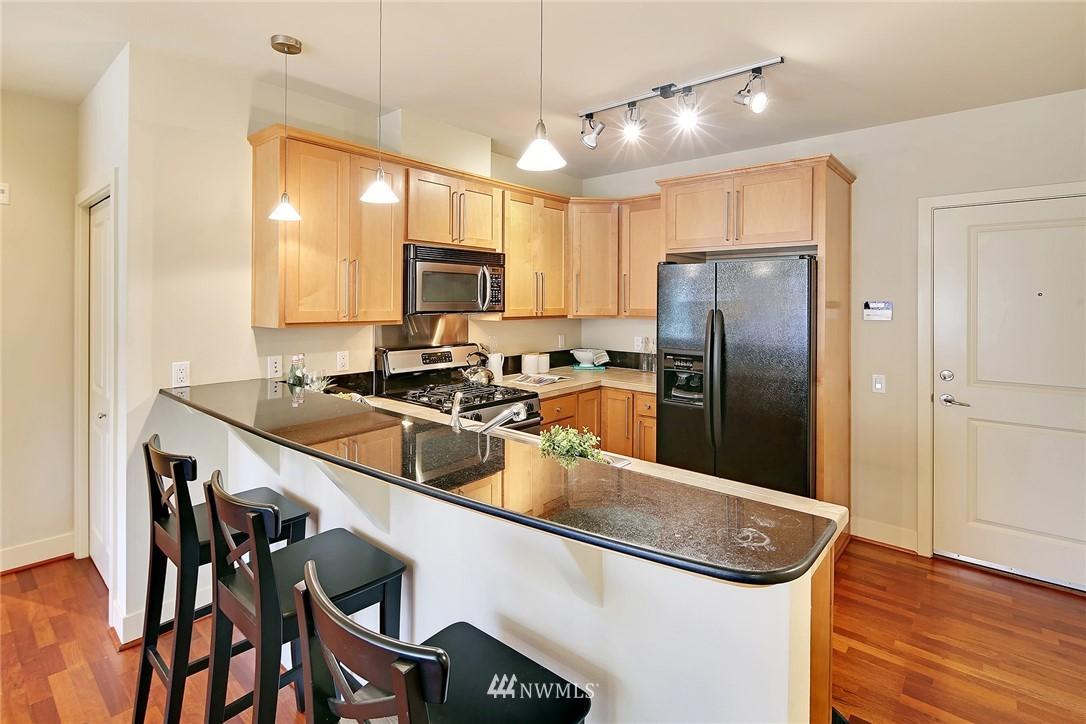 Sold Property | 410 NE 70th Street #304 Seattle, WA 98115 3