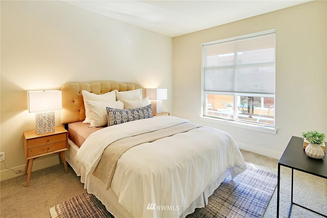 Sold Property | 410 NE 70th Street #304 Seattle, WA 98115 10