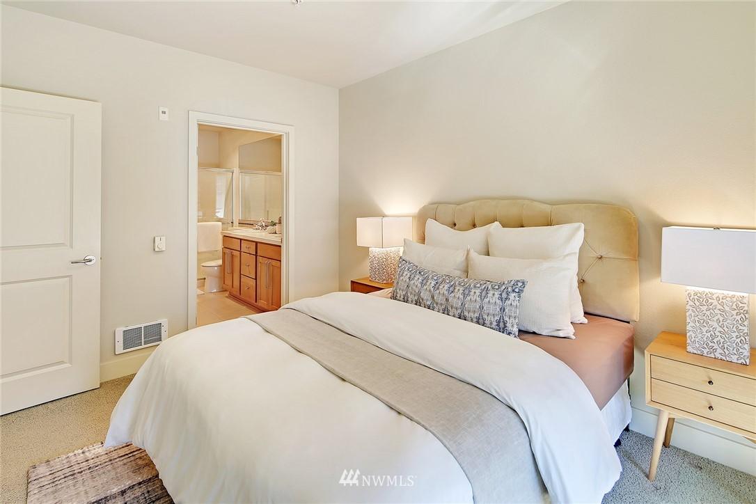 Sold Property | 410 NE 70th Street #304 Seattle, WA 98115 11