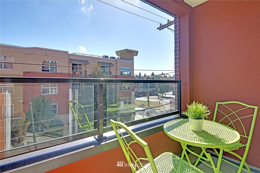 Sold Property | 410 NE 70th Street #304 Seattle, WA 98115 18