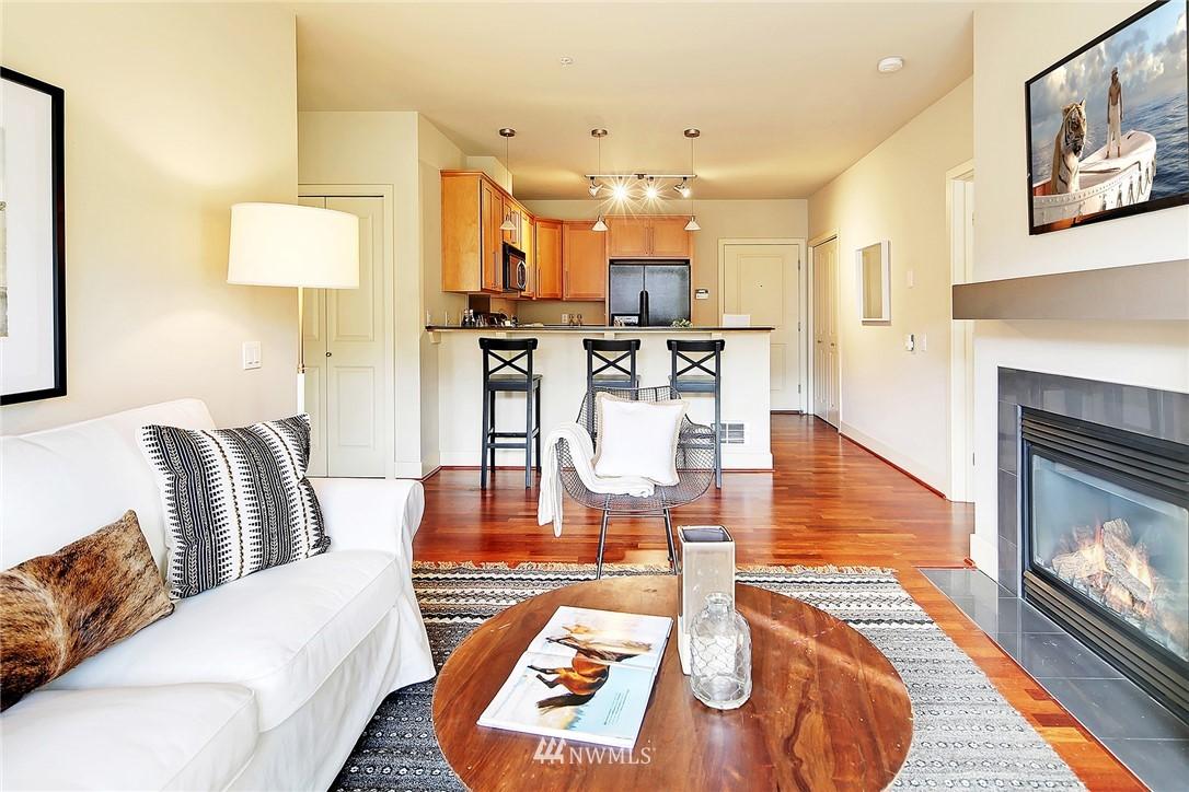 Sold Property | 410 NE 70th Street #304 Seattle, WA 98115 6
