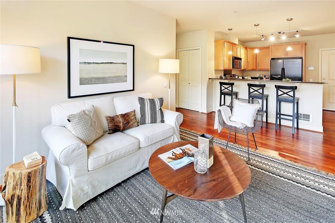 Sold Property | 410 NE 70th Street #304 Seattle, WA 98115 7