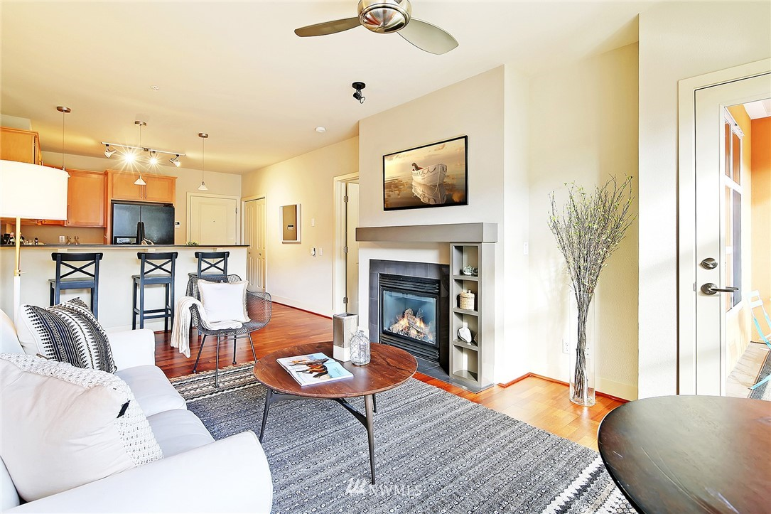 Sold Property | 410 NE 70th Street #304 Seattle, WA 98115 9