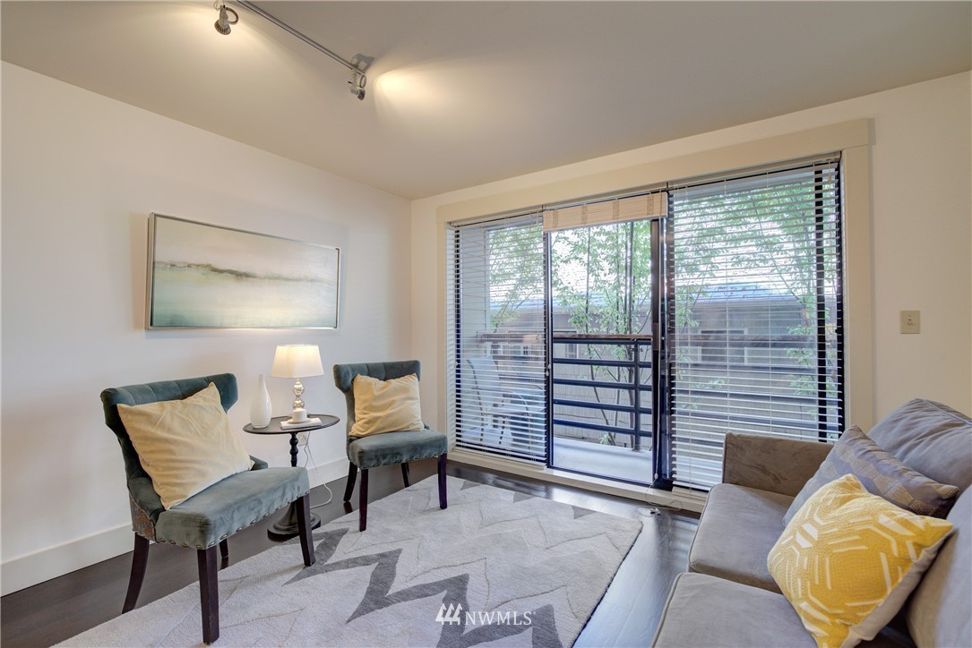 Sold Property   3401 Wallingford Avenue N #105 Seattle, WA 98103 4