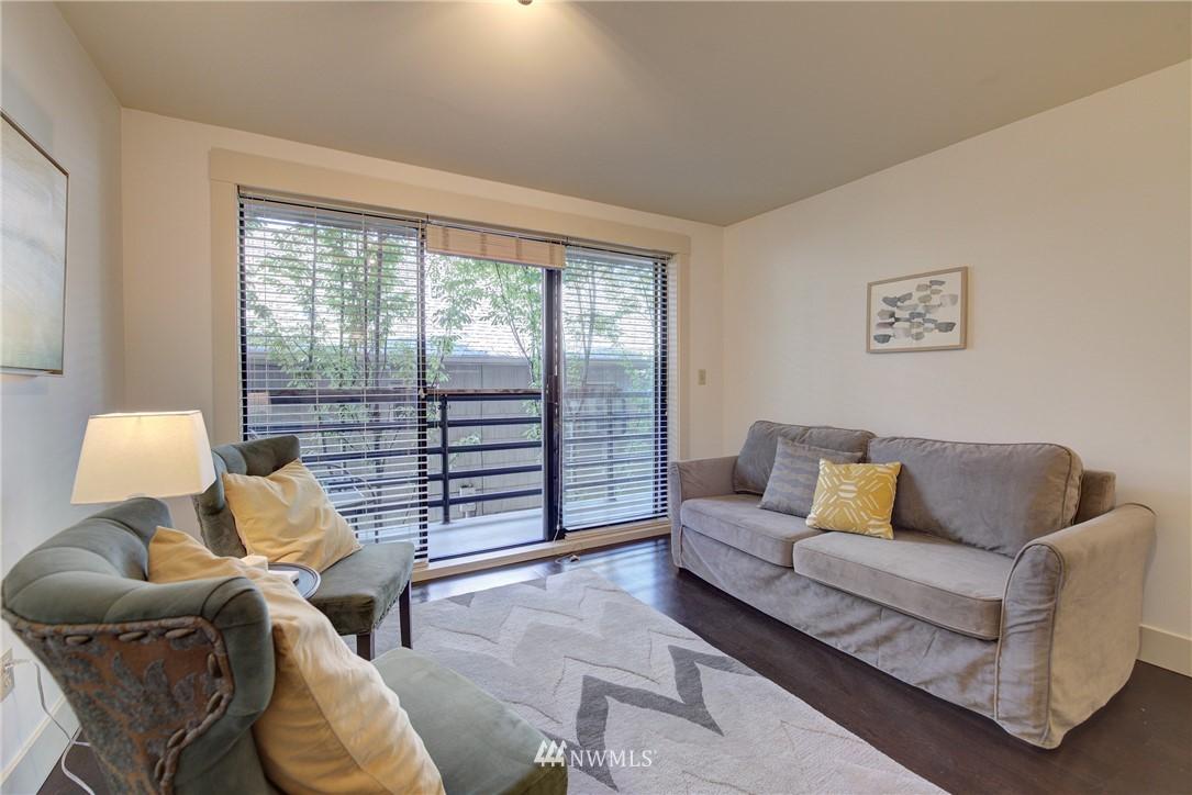 Sold Property   3401 Wallingford Avenue N #105 Seattle, WA 98103 5