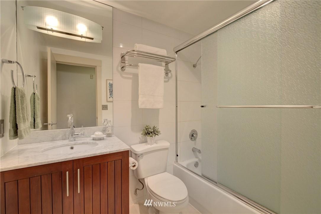 Sold Property   3401 Wallingford Avenue N #105 Seattle, WA 98103 10