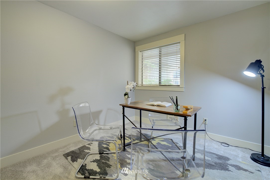 Sold Property   3401 Wallingford Avenue N #105 Seattle, WA 98103 11