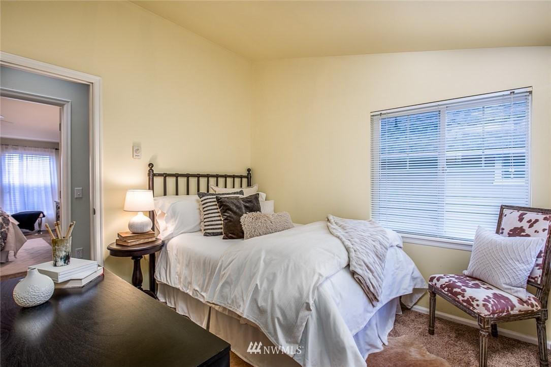 Sold Property | 11722 Greenwood Avenue N #A Seattle, WA 98133 7