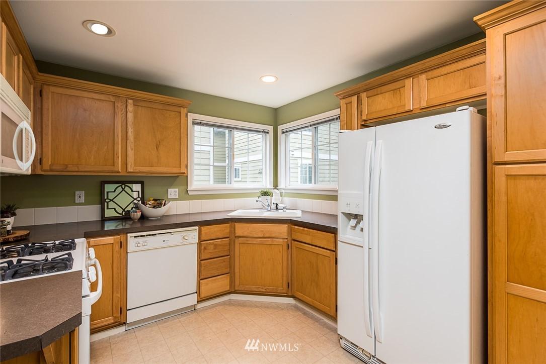 Sold Property | 11722 Greenwood Avenue N #A Seattle, WA 98133 3
