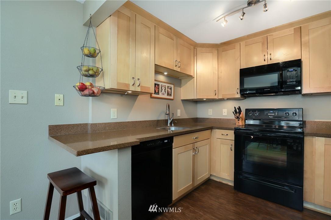Sold Property   735 N 95th Street #2 Seattle, WA 98103 4