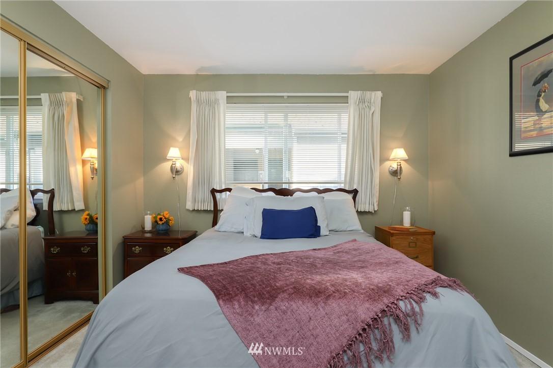 Sold Property   735 N 95th Street #2 Seattle, WA 98103 7