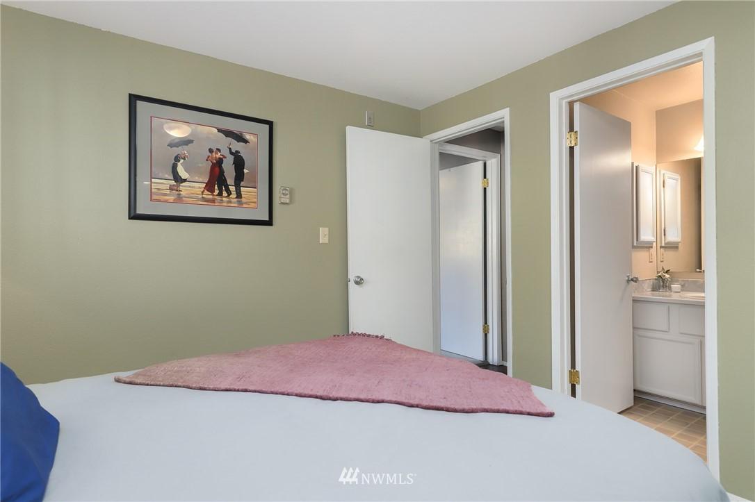 Sold Property   735 N 95th Street #2 Seattle, WA 98103 8