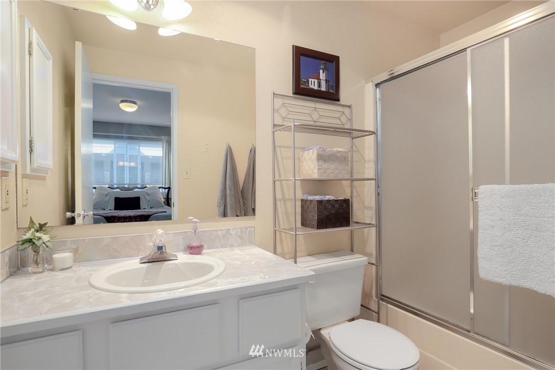 Sold Property   735 N 95th Street #2 Seattle, WA 98103 9