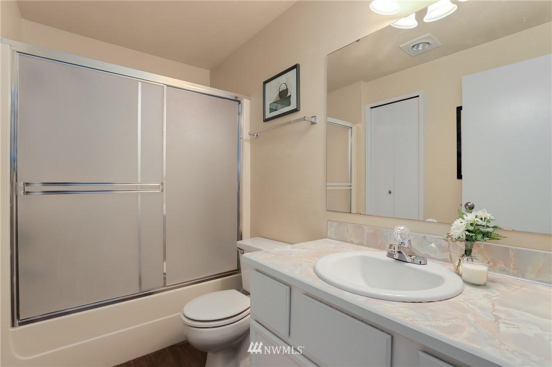 Sold Property   735 N 95th Street #2 Seattle, WA 98103 11
