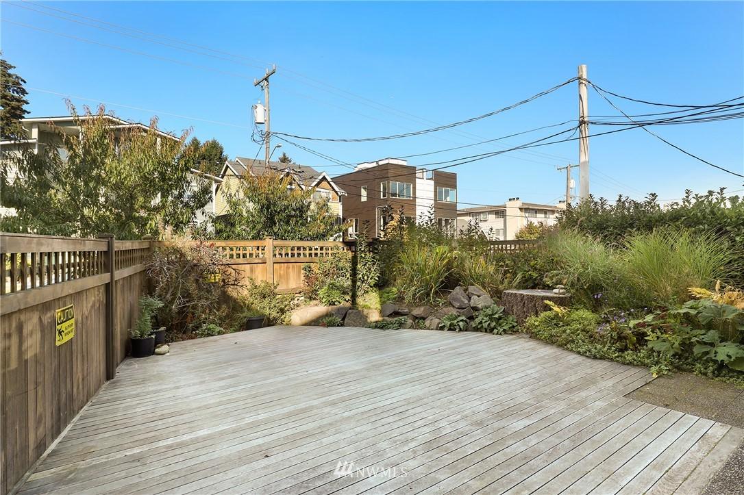 Sold Property   735 N 95th Street #2 Seattle, WA 98103 14