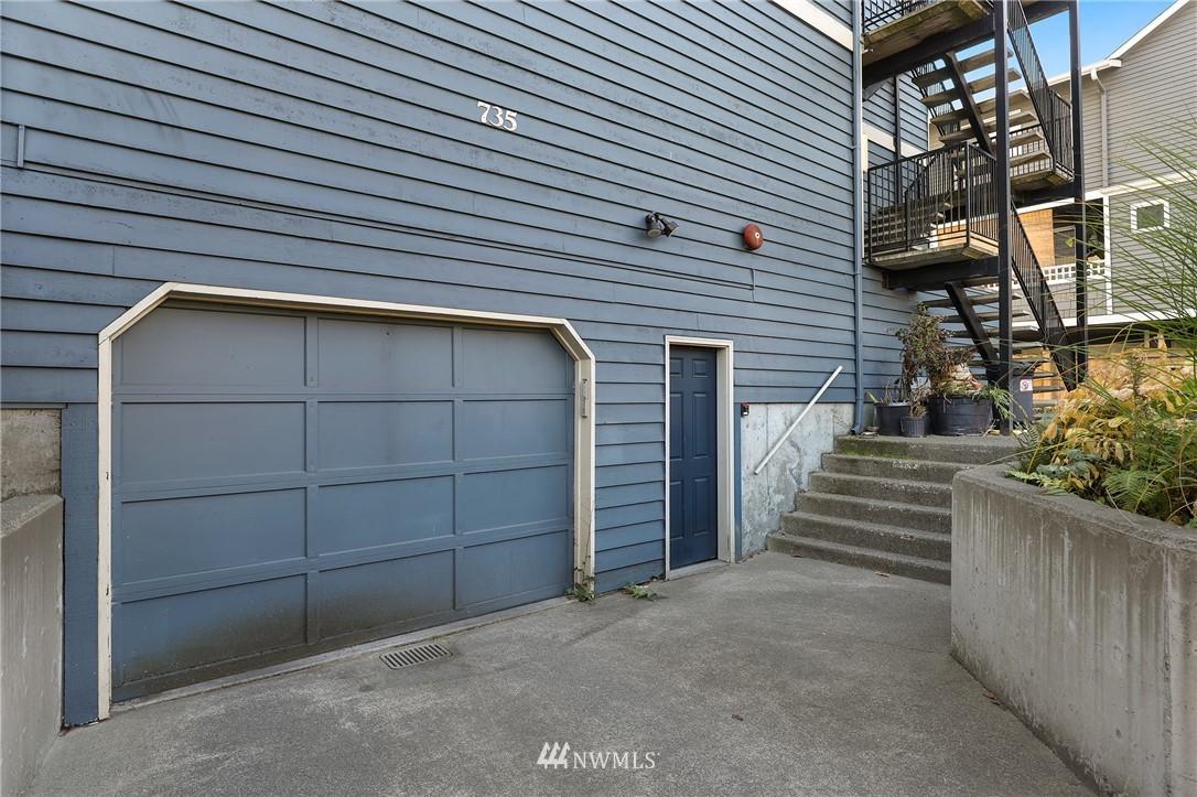 Sold Property   735 N 95th Street #2 Seattle, WA 98103 15