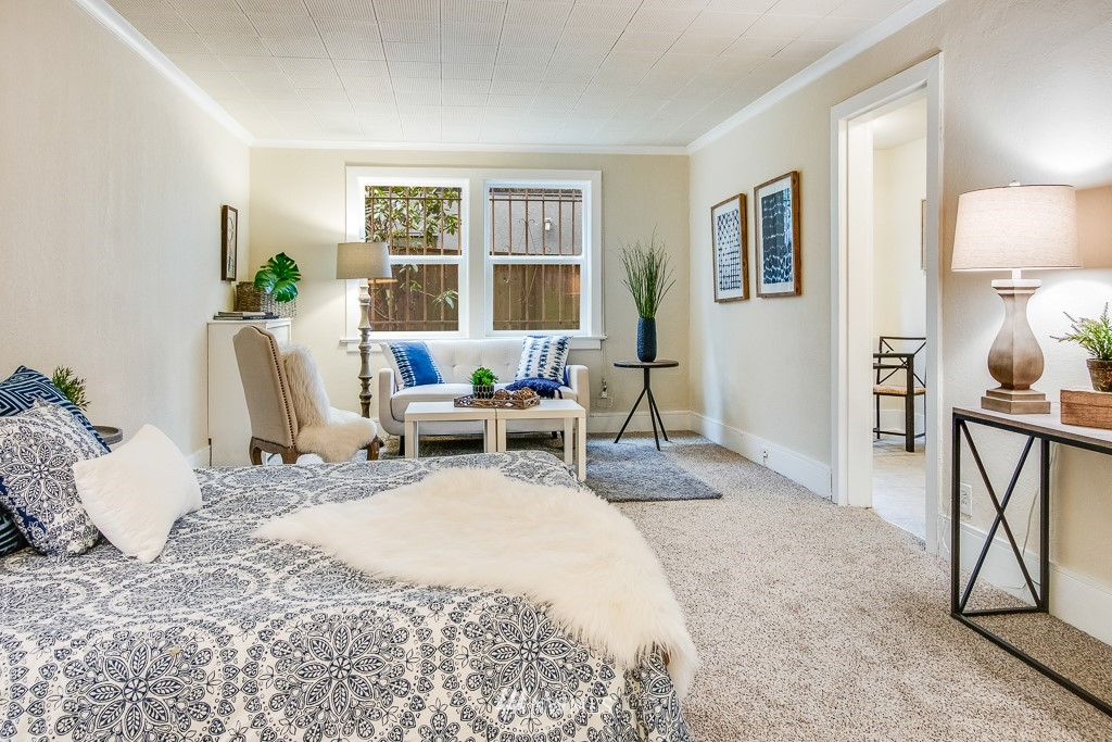 Sold Property | 4725 15th Avenue NE #4 Seattle, WA 98105 1