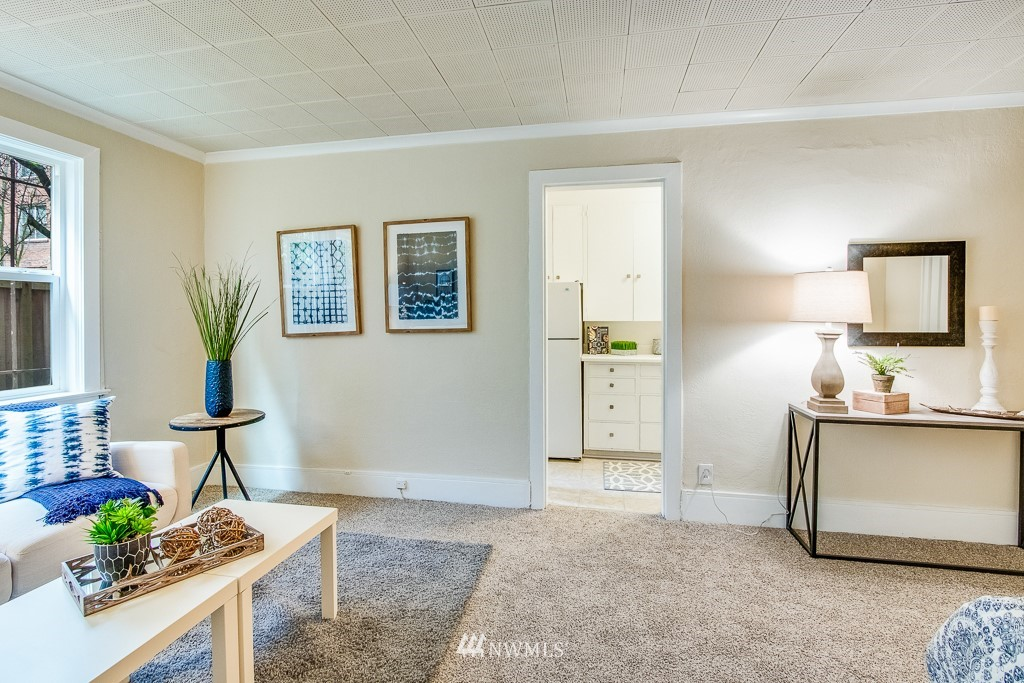 Sold Property | 4725 15th Avenue NE #4 Seattle, WA 98105 7