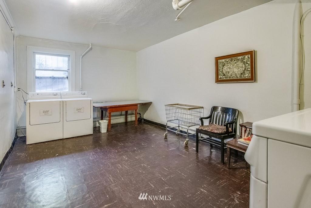 Sold Property | 4725 15th Avenue NE #4 Seattle, WA 98105 13