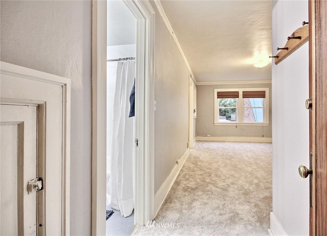 Sold Property | 4725 15th Avenue NE #27 Seattle, WA 98105 2