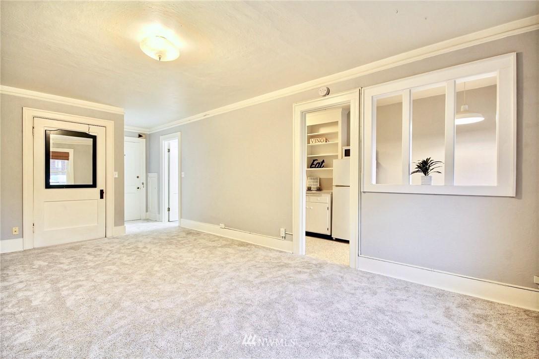 Sold Property | 4725 15th Avenue NE #27 Seattle, WA 98105 11