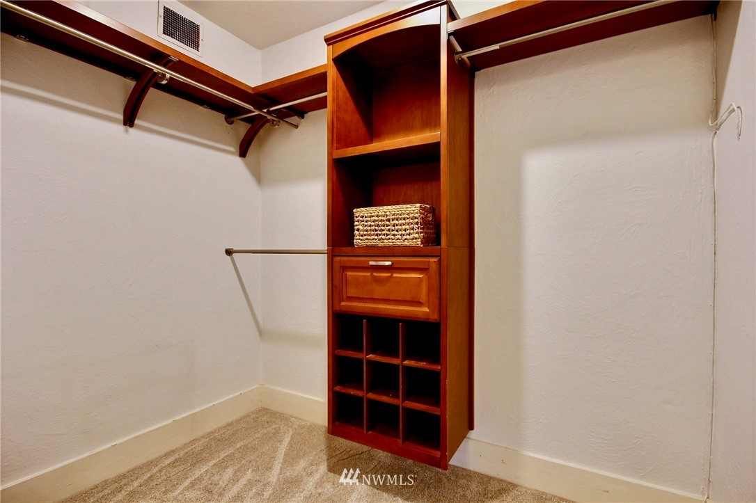 Sold Property | 4725 15th Avenue NE #27 Seattle, WA 98105 12