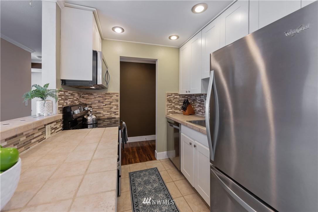 Sold Property | 4219 Whitman Avenue N #8 Seattle, WA 98103 4