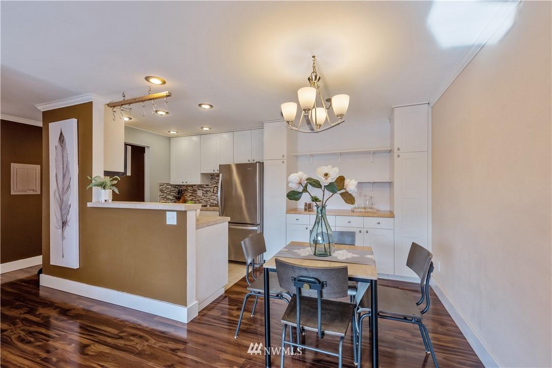 Sold Property | 4219 Whitman Avenue N #8 Seattle, WA 98103 5