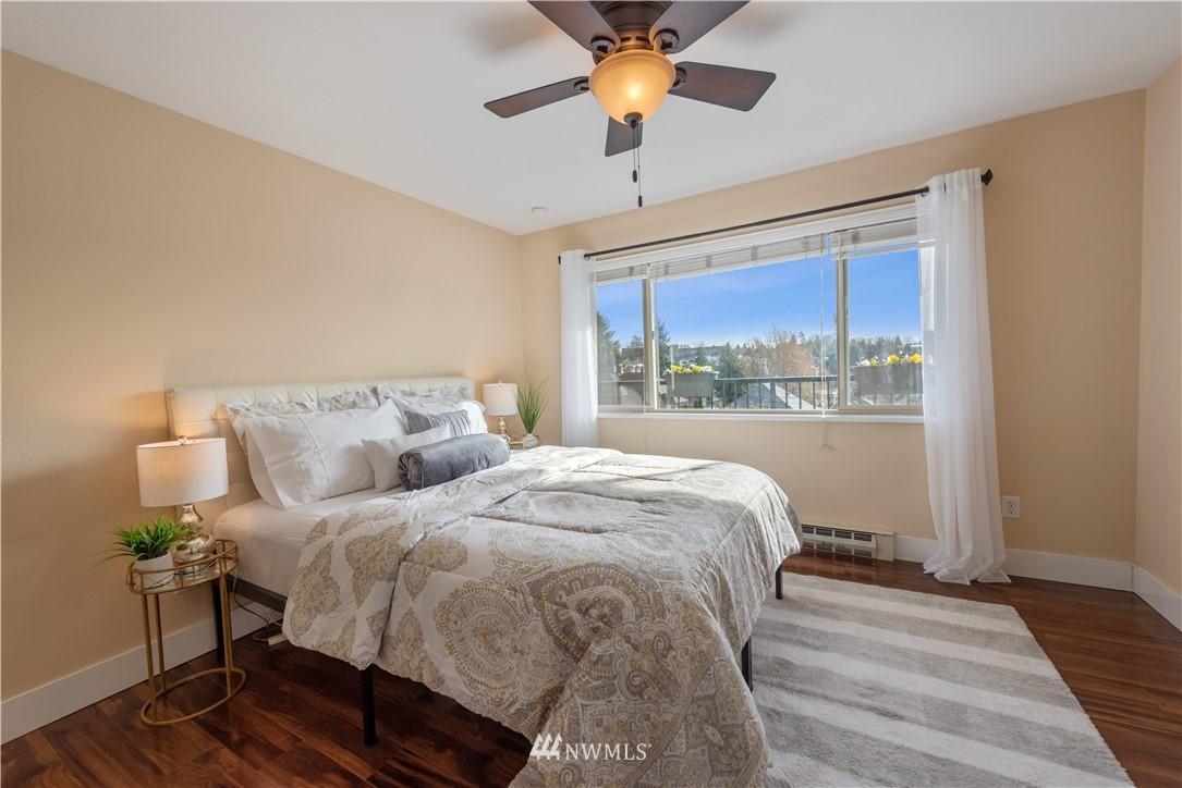 Sold Property | 4219 Whitman Avenue N #8 Seattle, WA 98103 7
