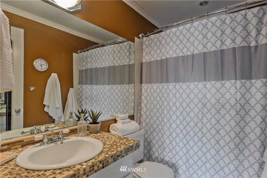 Sold Property | 4219 Whitman Avenue N #8 Seattle, WA 98103 8