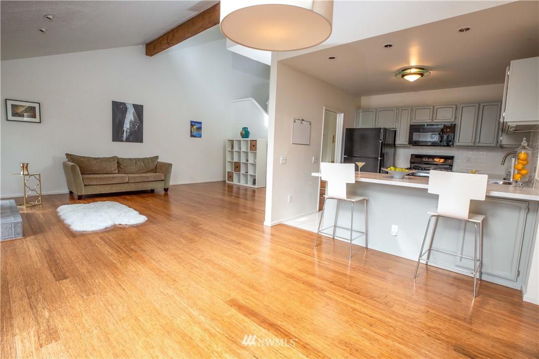 Sold Property | 9721 Riverbend Drive Bothell, WA 98011 5