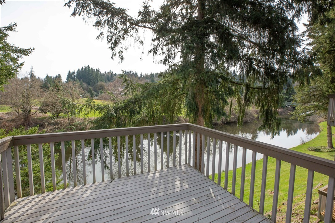 Sold Property | 9721 Riverbend Drive Bothell, WA 98011 18