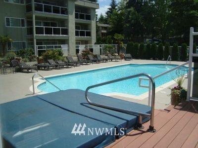 Sold Property   701 122nd Avenue NE #303 Bellevue, WA 98005 17