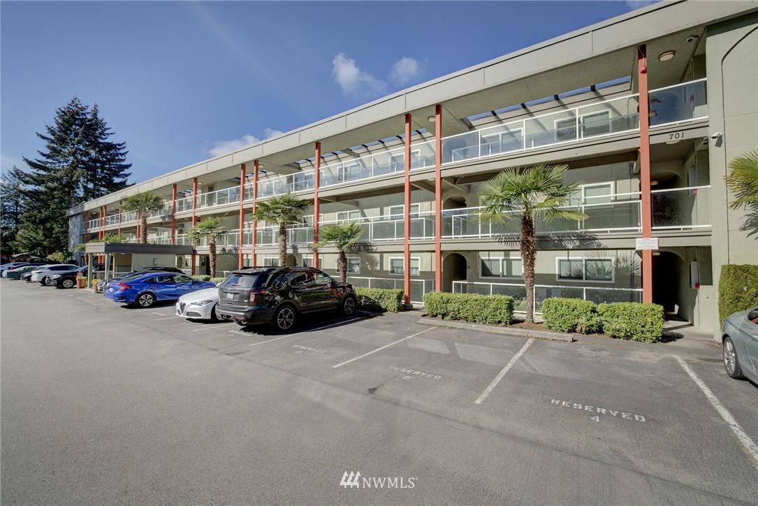 Sold Property   701 122nd Avenue NE #303 Bellevue, WA 98005 16