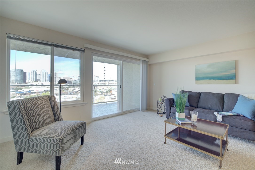Sold Property   701 122nd Avenue NE #303 Bellevue, WA 98005 5