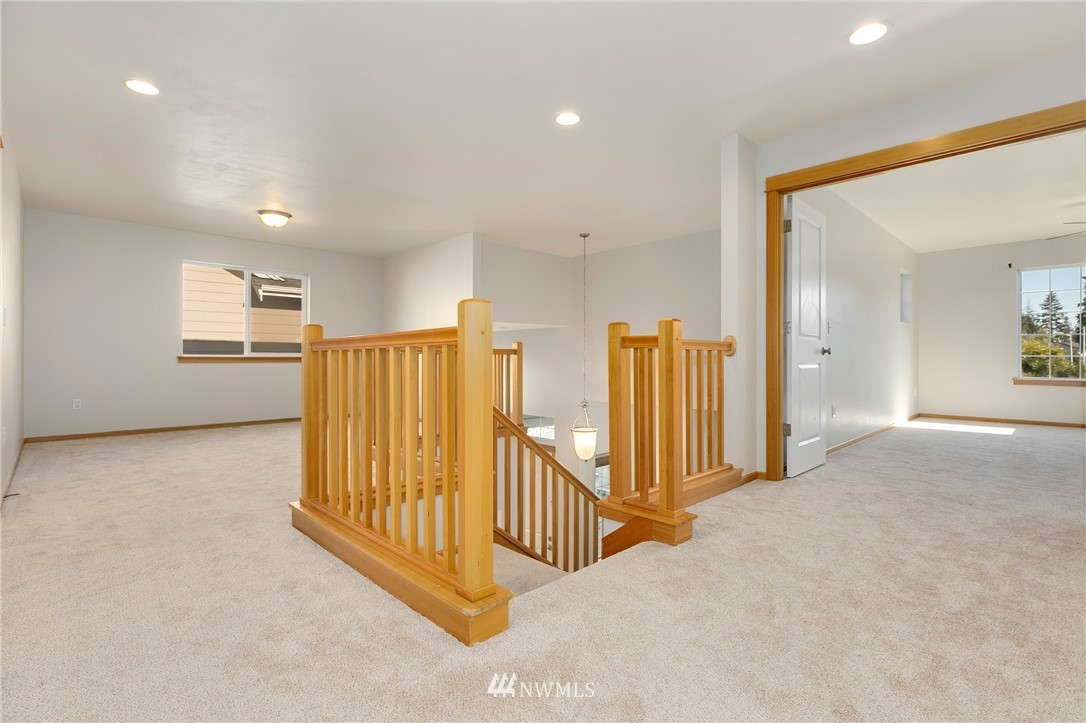 Sold Property   823 200th Place SW Lynnwood, WA 98036 10