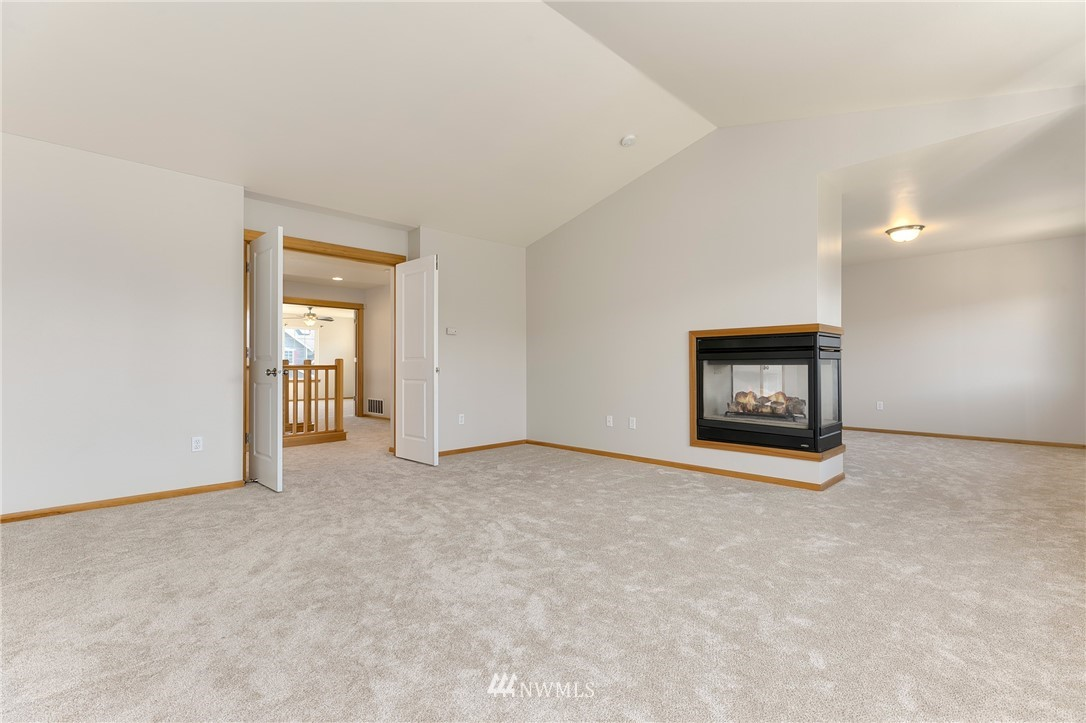 Sold Property   823 200th Place SW Lynnwood, WA 98036 11