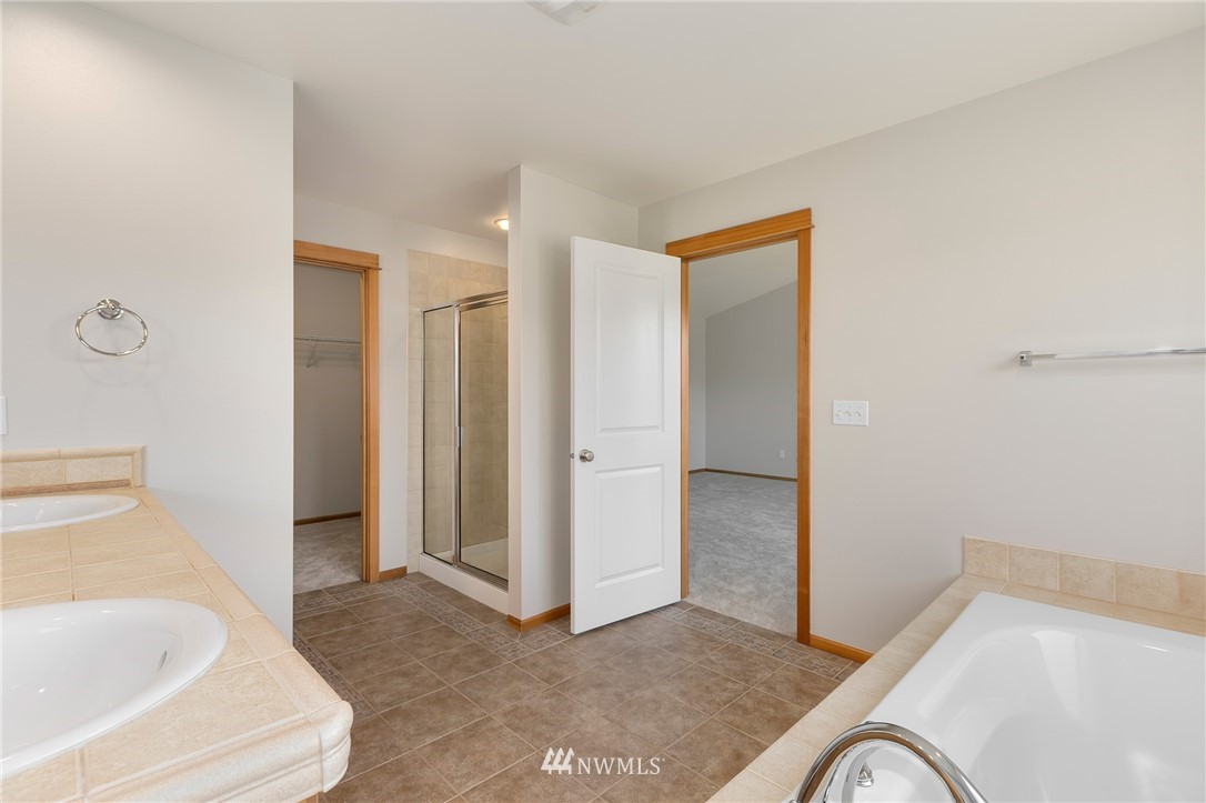 Sold Property   823 200th Place SW Lynnwood, WA 98036 15