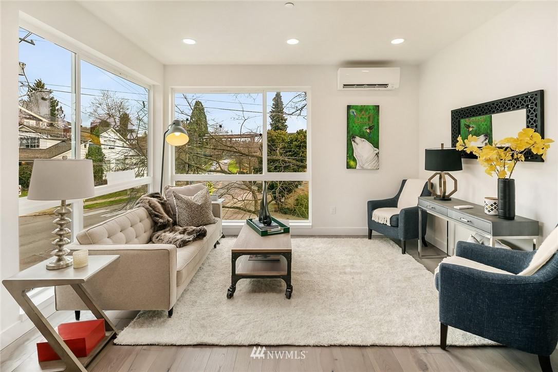 Sold Property | 3941 2nd Avenue NE Seattle, WA 98105 5