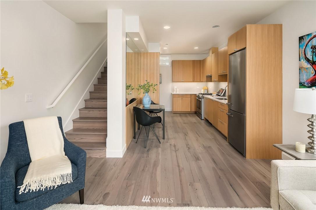 Sold Property | 3941 2nd Avenue NE Seattle, WA 98105 7