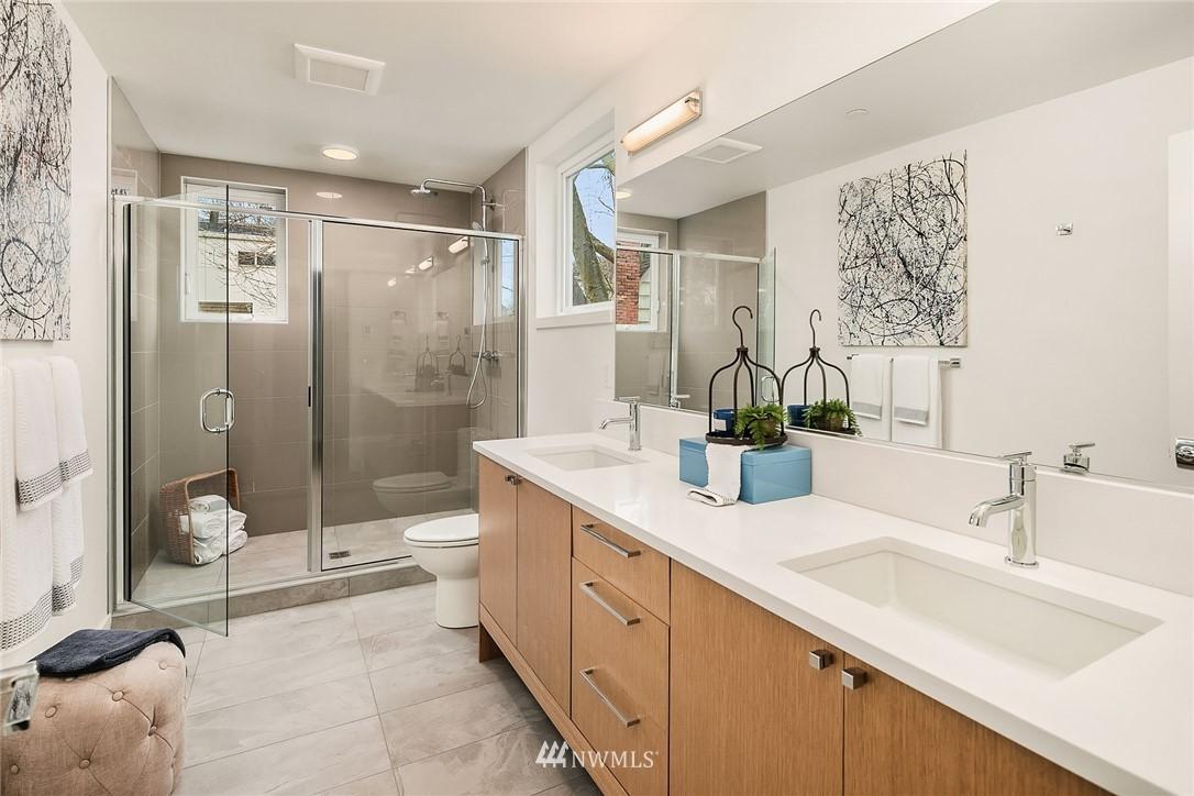 Sold Property | 3941 2nd Avenue NE Seattle, WA 98105 10