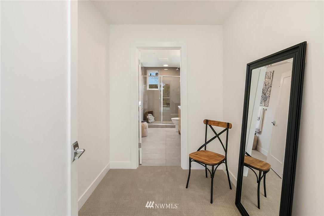 Sold Property | 3941 2nd Avenue NE Seattle, WA 98105 12
