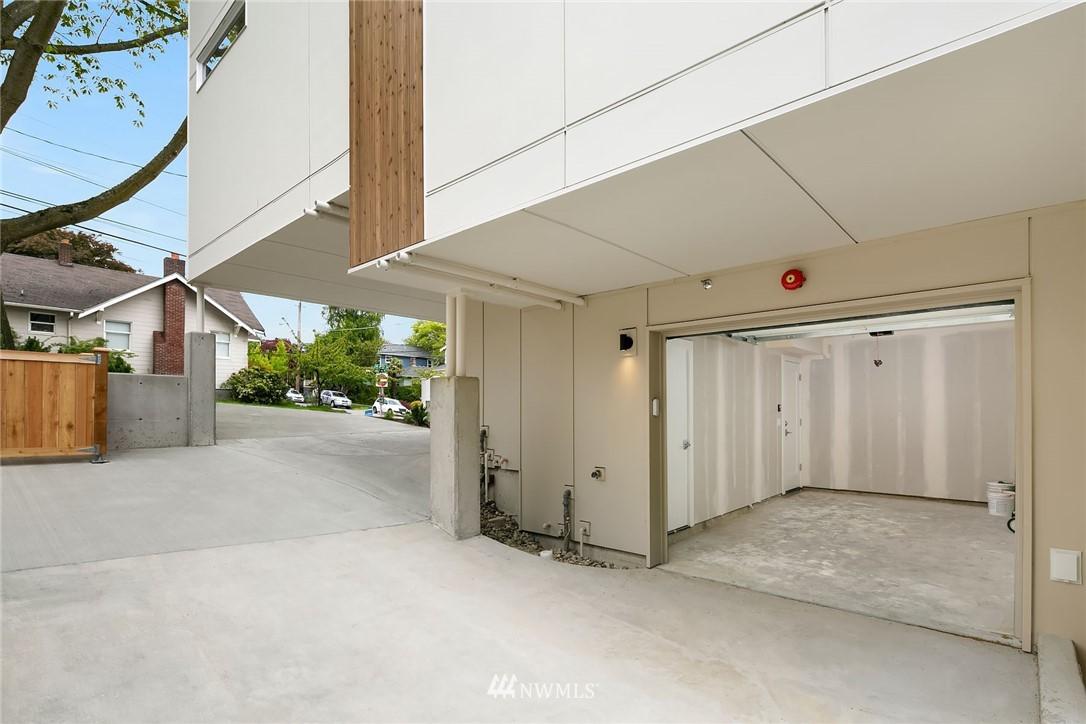 Sold Property | 3941 2nd Avenue NE Seattle, WA 98105 15