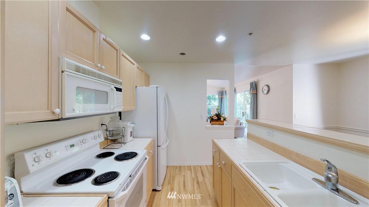 Sold Property | 25235 SE Klahanie Boulevard #F301 Issaquah, WA 98029 10