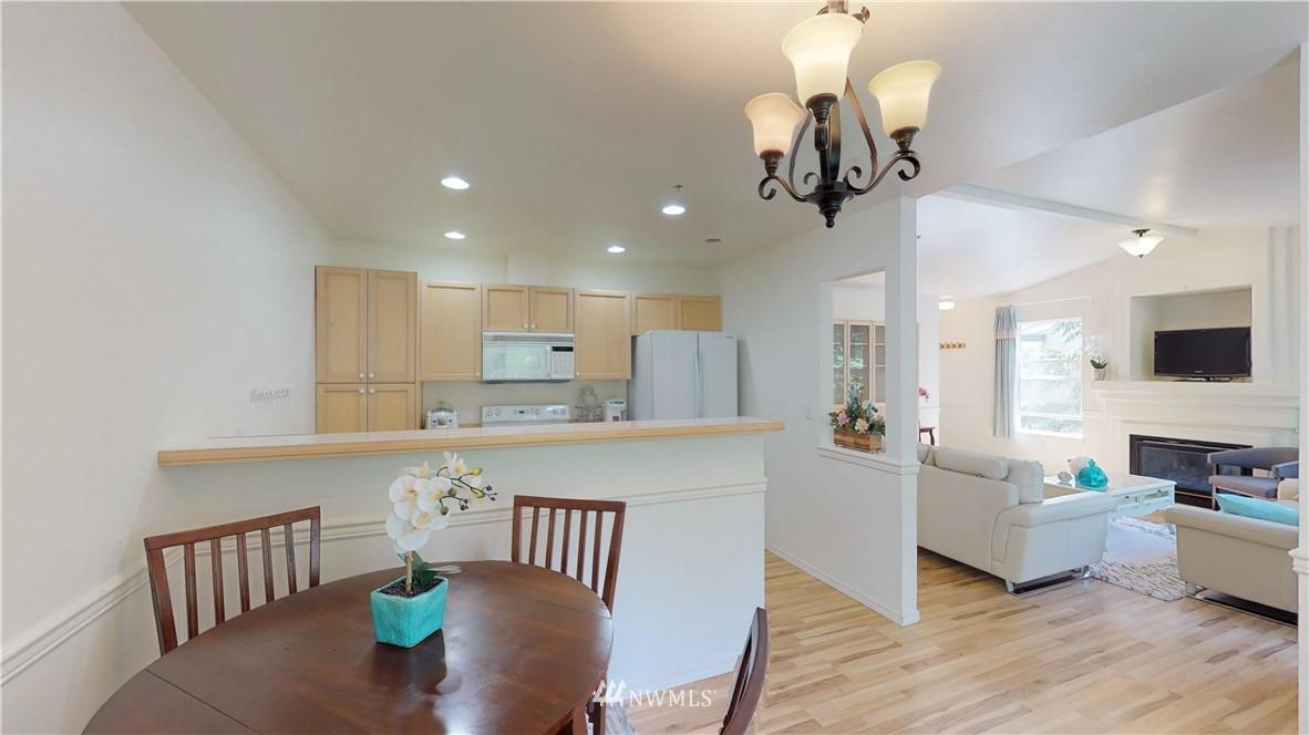 Sold Property | 25235 SE Klahanie Boulevard #F301 Issaquah, WA 98029 7