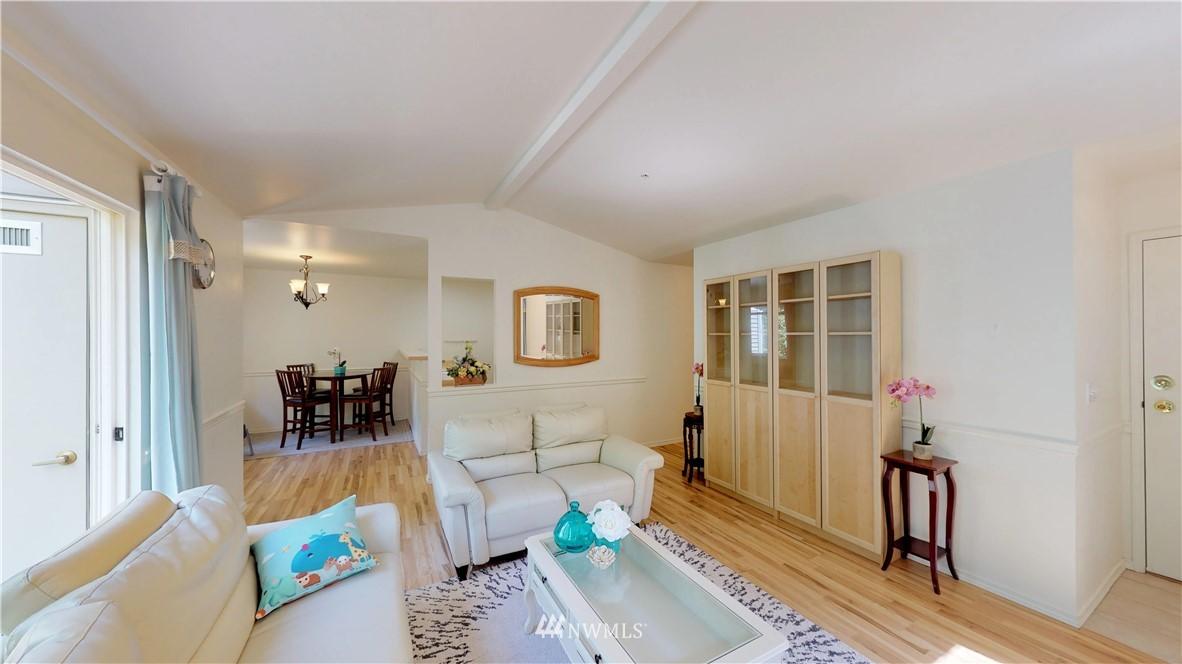 Sold Property | 25235 SE Klahanie Boulevard #F301 Issaquah, WA 98029 4
