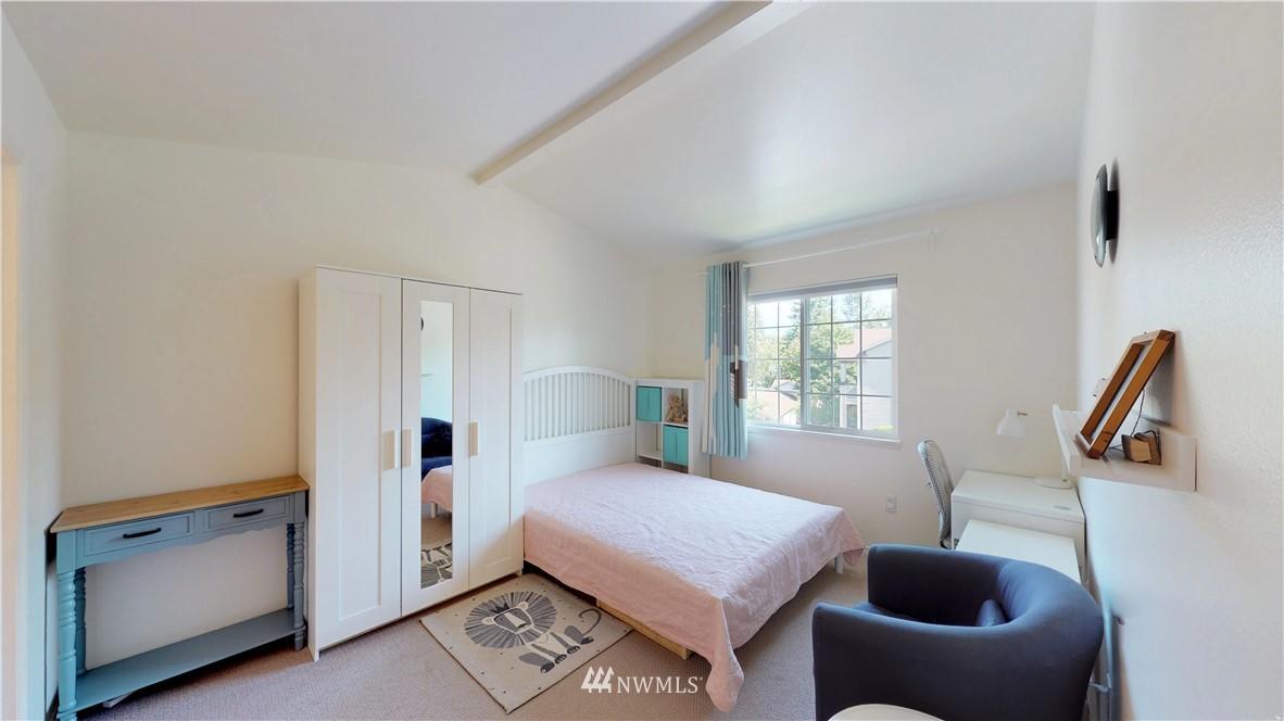 Sold Property | 25235 SE Klahanie Boulevard #F301 Issaquah, WA 98029 13
