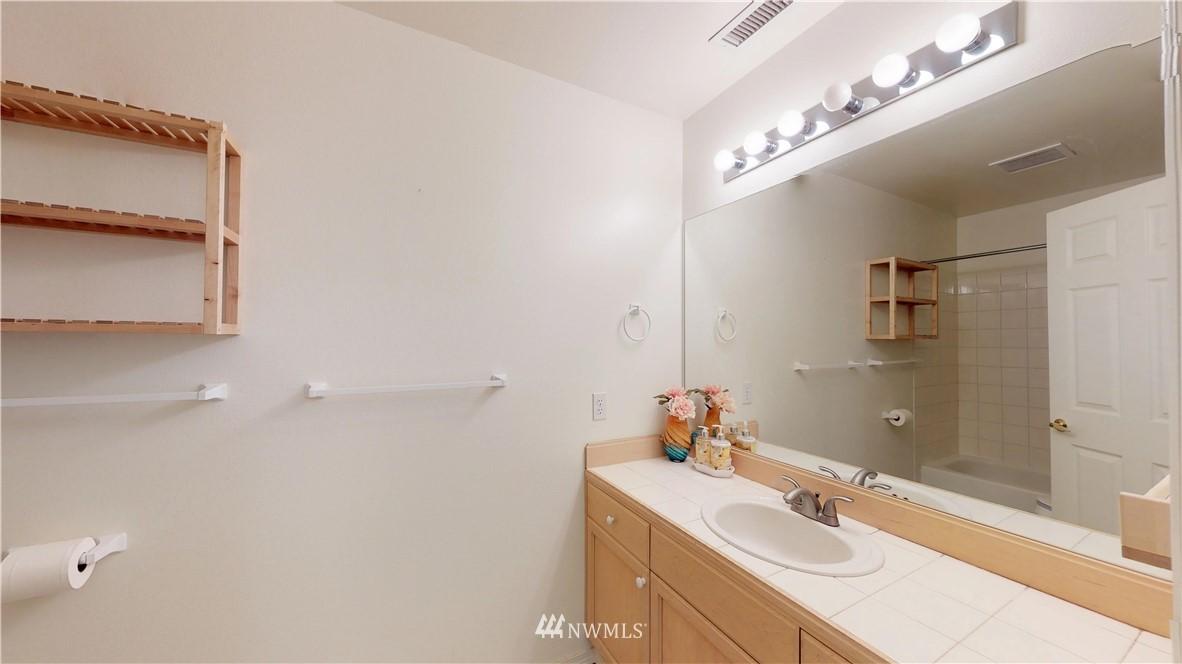 Sold Property | 25235 SE Klahanie Boulevard #F301 Issaquah, WA 98029 19